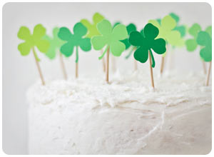 diy clover patch cake topper