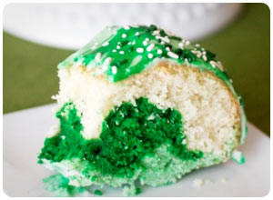 green and white bundt cake