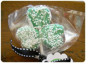 shamrock marshmallow pops