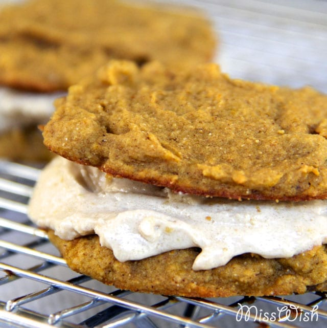 Pumpkin Cream Pies- like the classic oatmeal cream pies, but better!