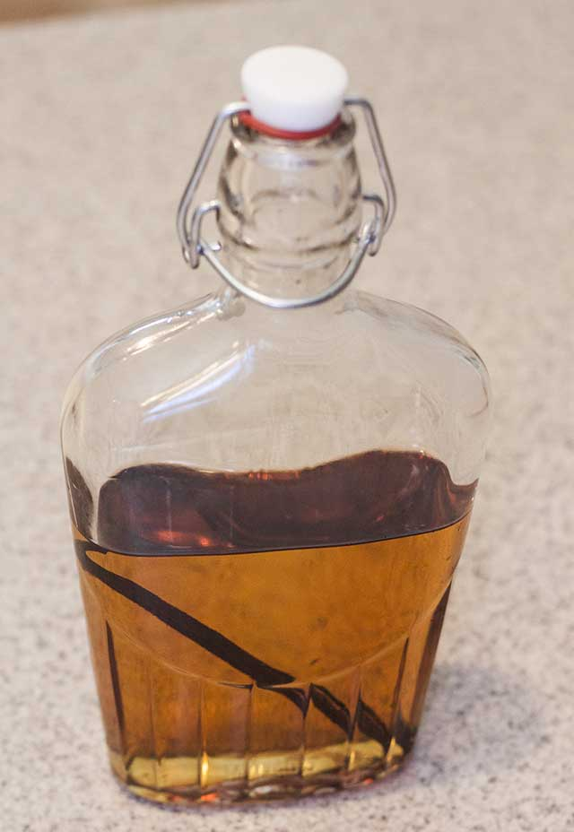 How to Make Homemade Vanilla Extract- it's not as hard as you think.