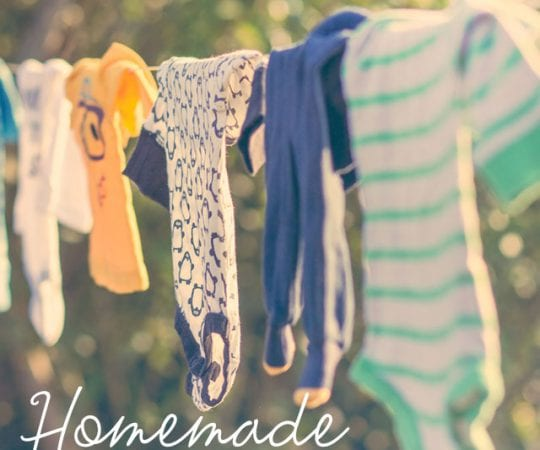 These homemade fabric softeners work better than store-bough cleaners, and they are all-natural!