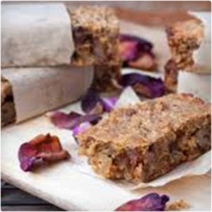 Apple and Cinnamon Protein Bars