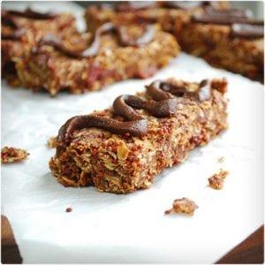 Chocolate Cherry Quinoa and Oat Bars