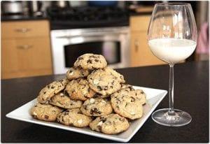 Black and White Oatmeal Raisin Cookies