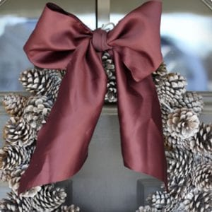Cheap and Beautiful Pine Cone Wreath