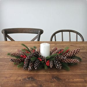 Christmas-Themed Pine Cone Centerpiece