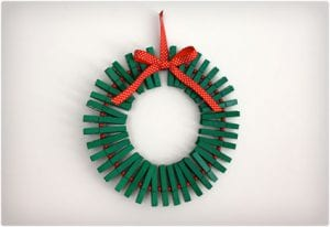 Clothespin Holly Wreathe