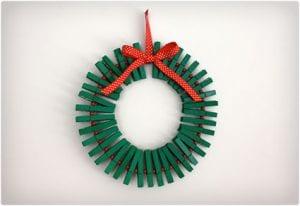 Clothespin Holly Wreathe