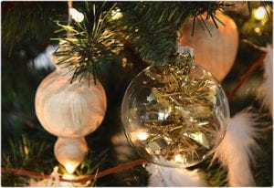 Easiest DIY Tinsil Christmas Ornament