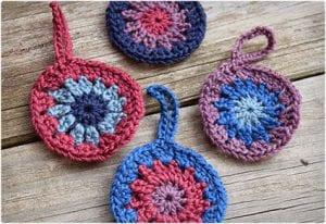 Granny Circle Crochet Ornament Tutorial