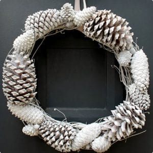 Inexpensive Winter Wreath With Pine Cones