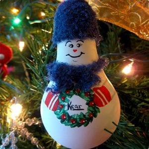 Light Bulb Snowmen Craft