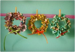 Mini Paper Wreathes For Kids and Parents to Make
