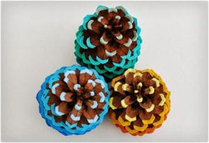 Ombre Painted Pine Cone Tutorial