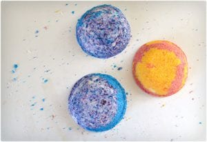 Pretty DIY Bath Bombs