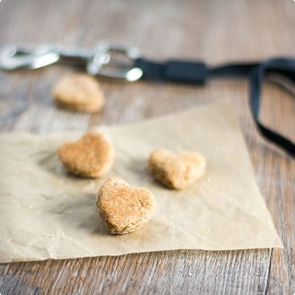 Chicken, Peanut Butter and Oat Doggie Treats