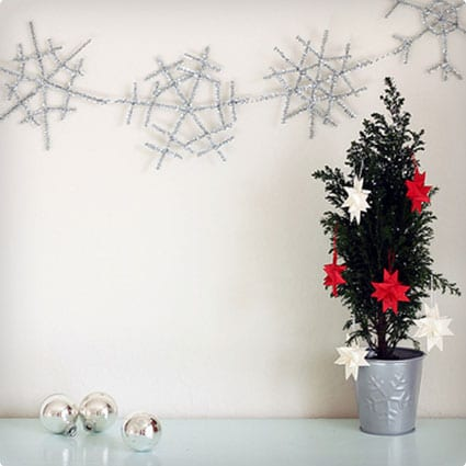 Pipe Cleaner Snowflake Garland