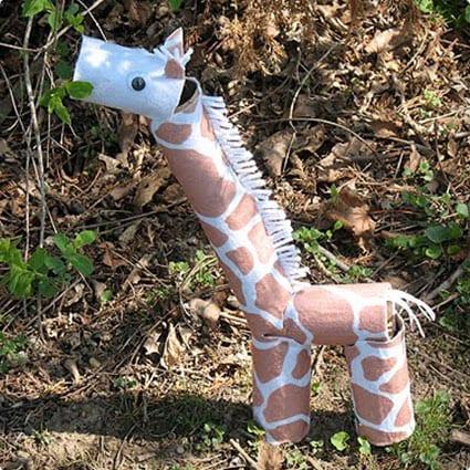 TP Roll Giraffe