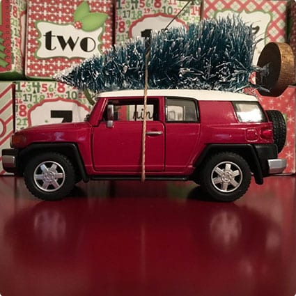 FJ Cruiser Carrying Christmas Tree Ornament