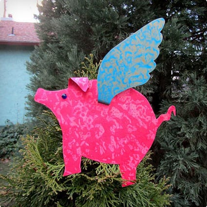 Flying Pig Metal Art Christmas Tree Topper