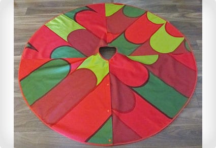 Red/green Marimekko Tree Skirt
