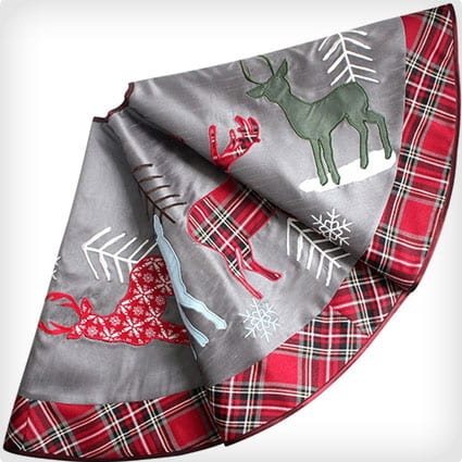 Reindeer applique embroidery with plaid border silver