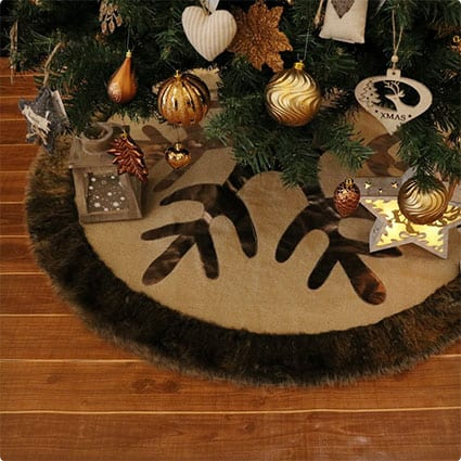 Woodland Collection Burlap Tree Skirt with Faux Fur Trim Border