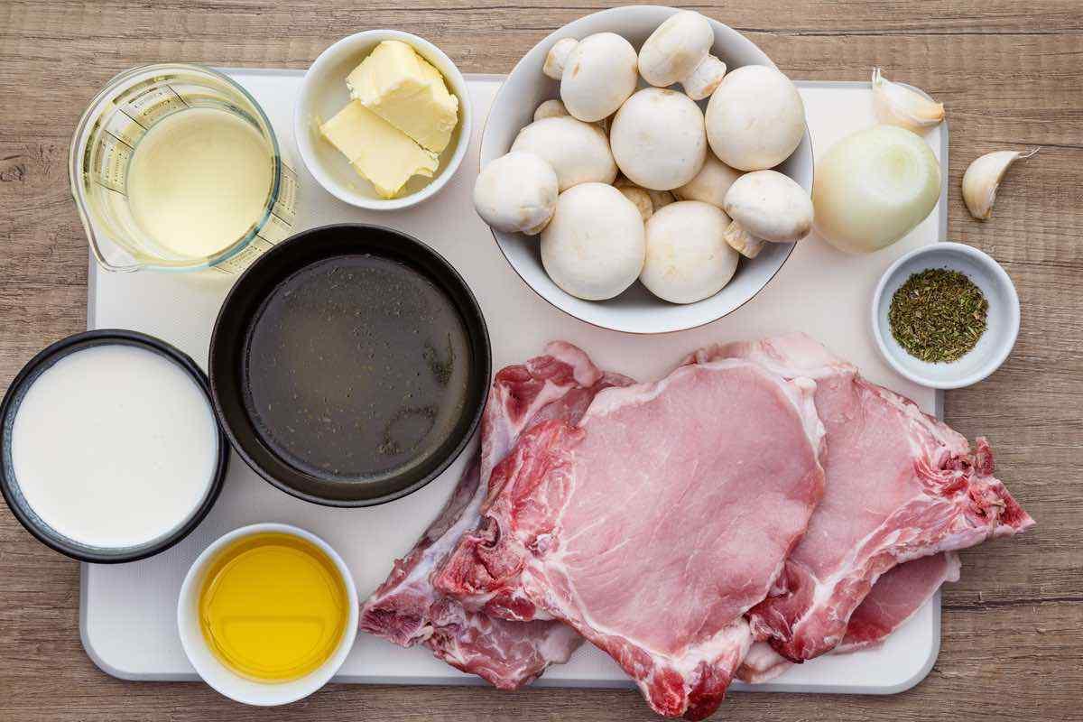 Instant Pot Pork Chops with Creamy Gravy