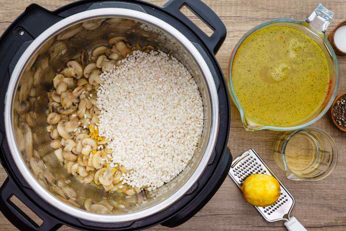 Instant Pot Lemon and Mushroom Risotto