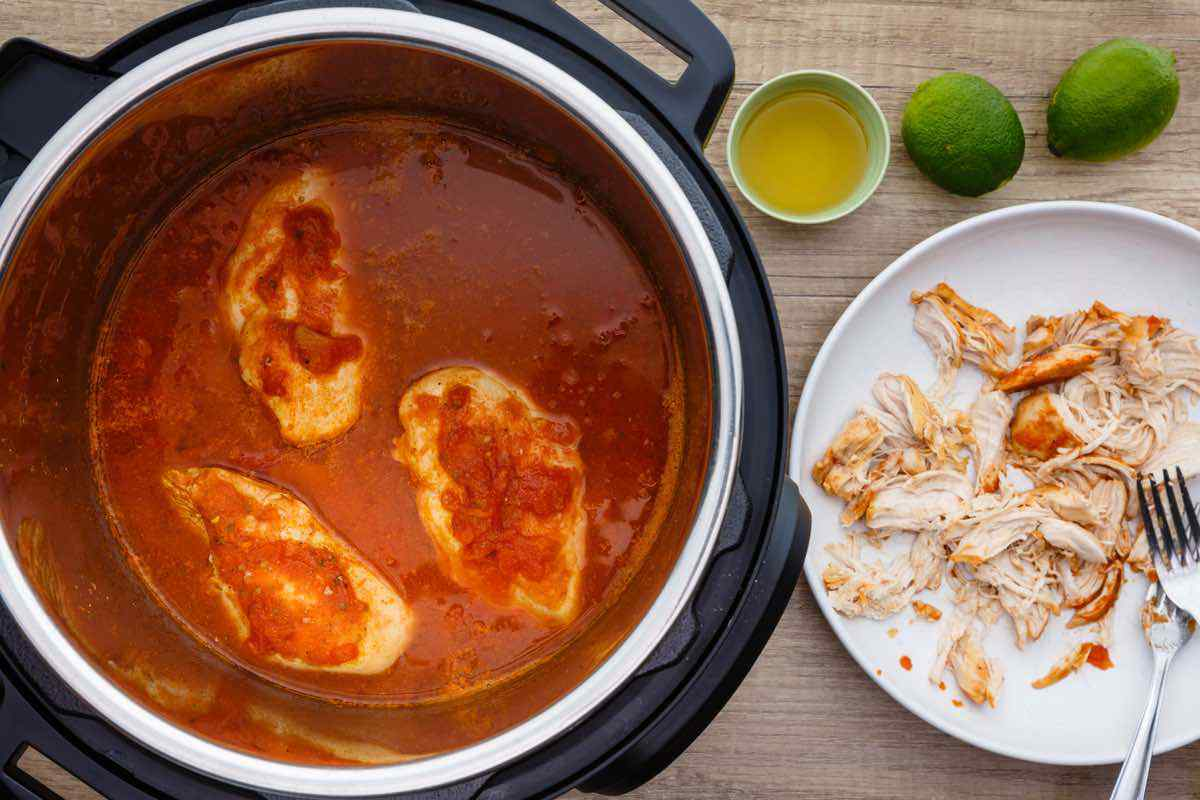 7-Ingredient Instant Pot Shredded Chicken Tacos