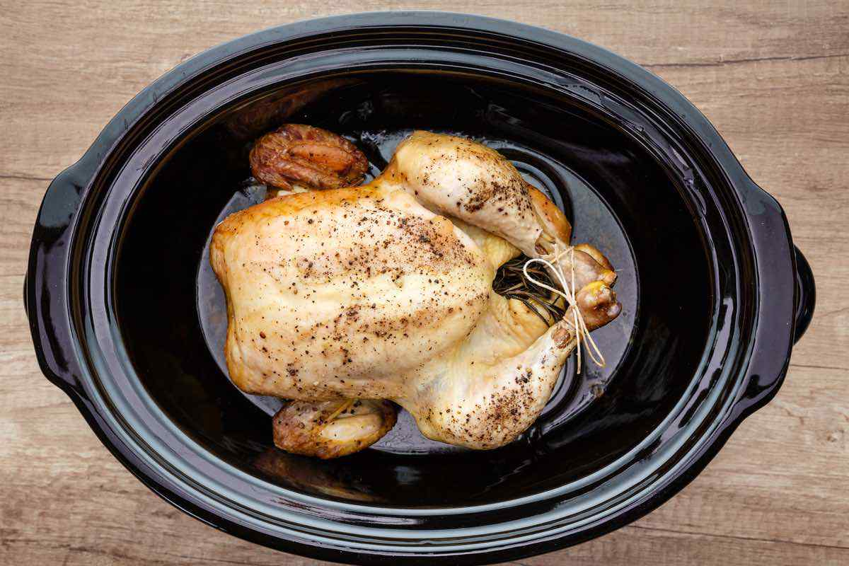 Easy 4-Ingredient Crockpot Whole Chicken
