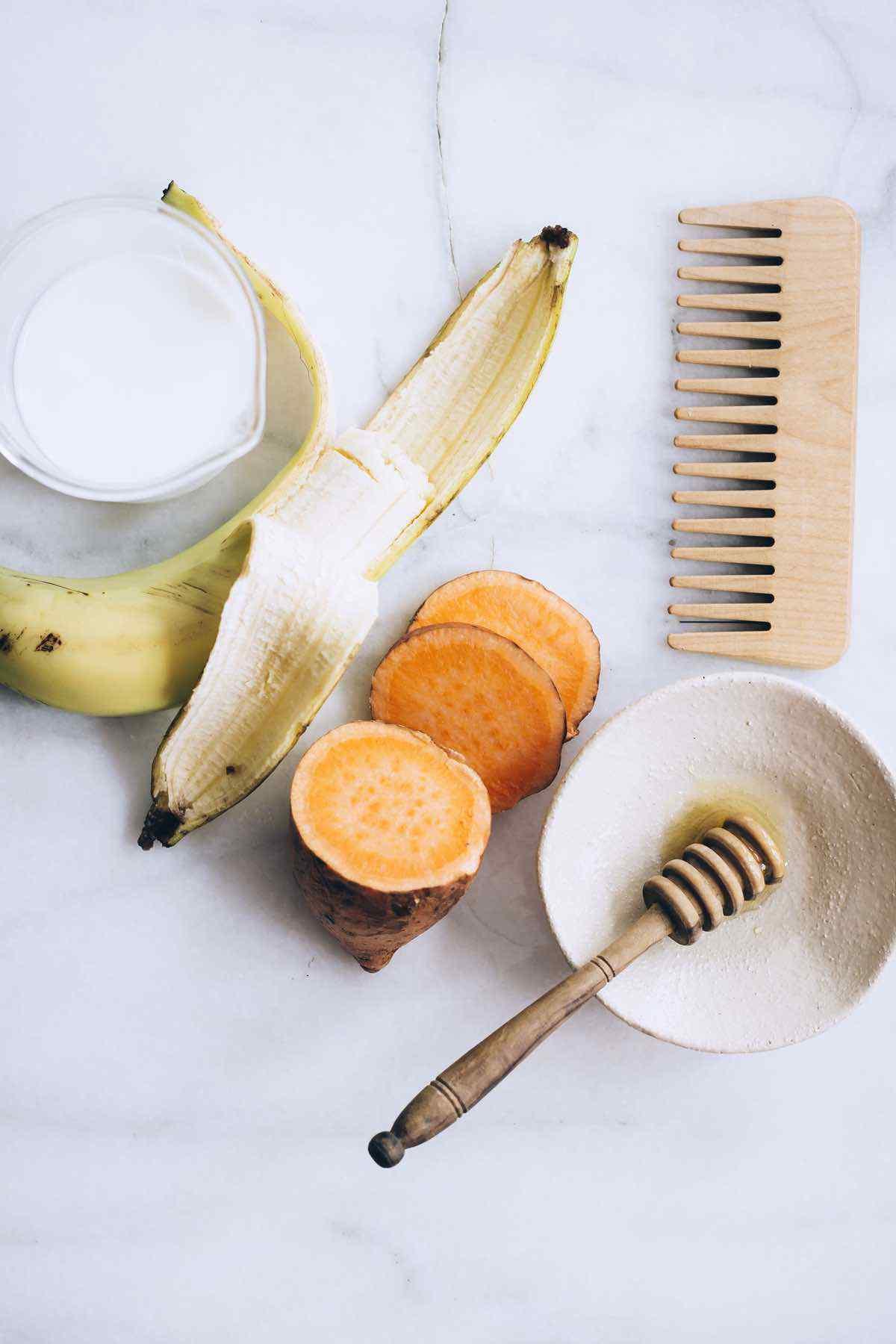4-Ingredient Banana Hair Mask Recipe