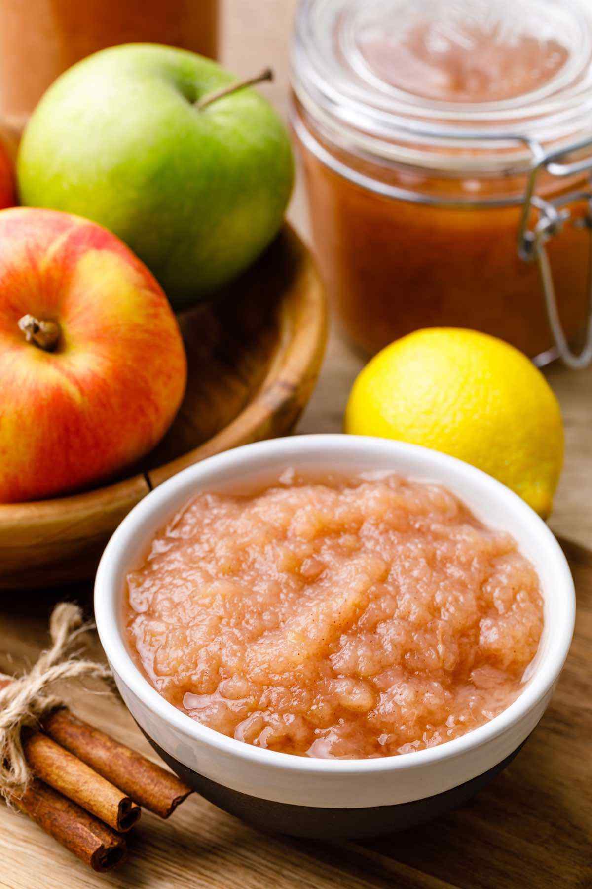 Homemade Instant Pot Cinnamon Applesauce