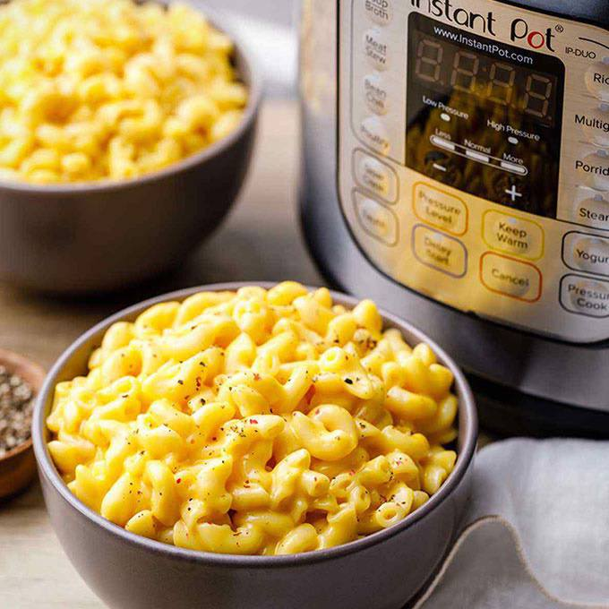 Creamy 5-Ingredient Instant Pot Mac and Cheese