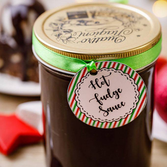 Easy Hot Fudge Sauce in a Jar