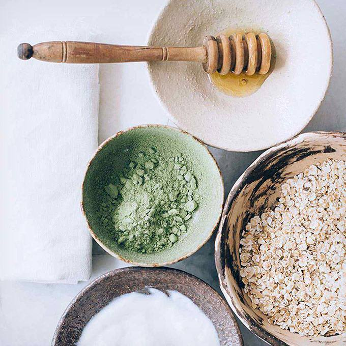 Healing Clay Face Mask for People with Sensitive Skin