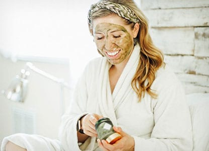 Soothing Aloe Clay Mask for Stubborn Breakouts