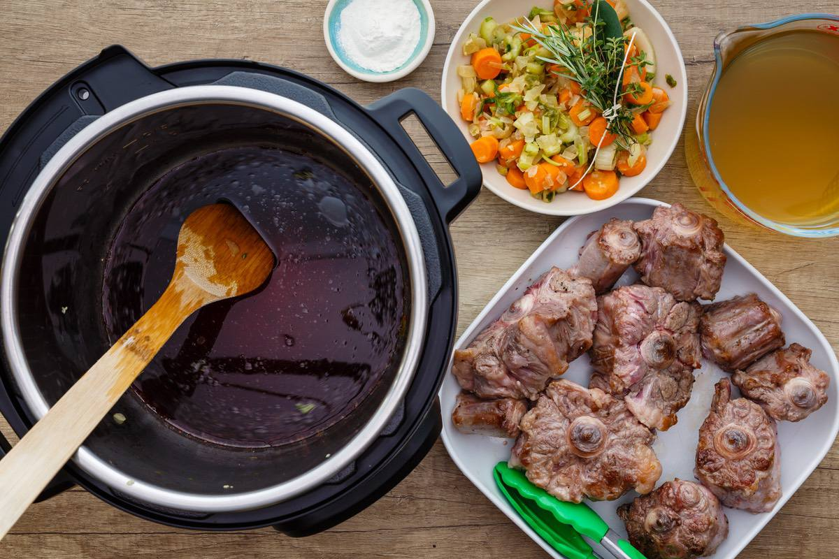 Instant Pot Oxtail Soup
