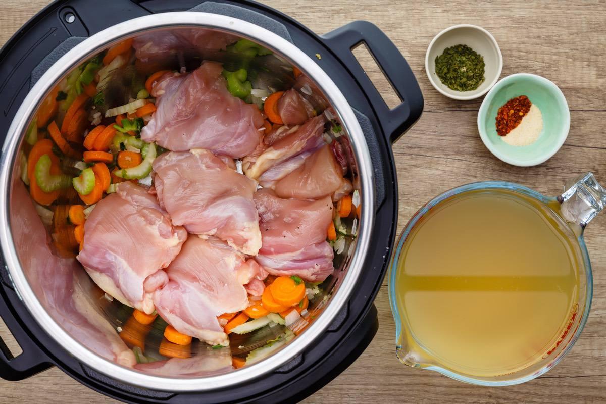 Instant Pot Tortellini Soup